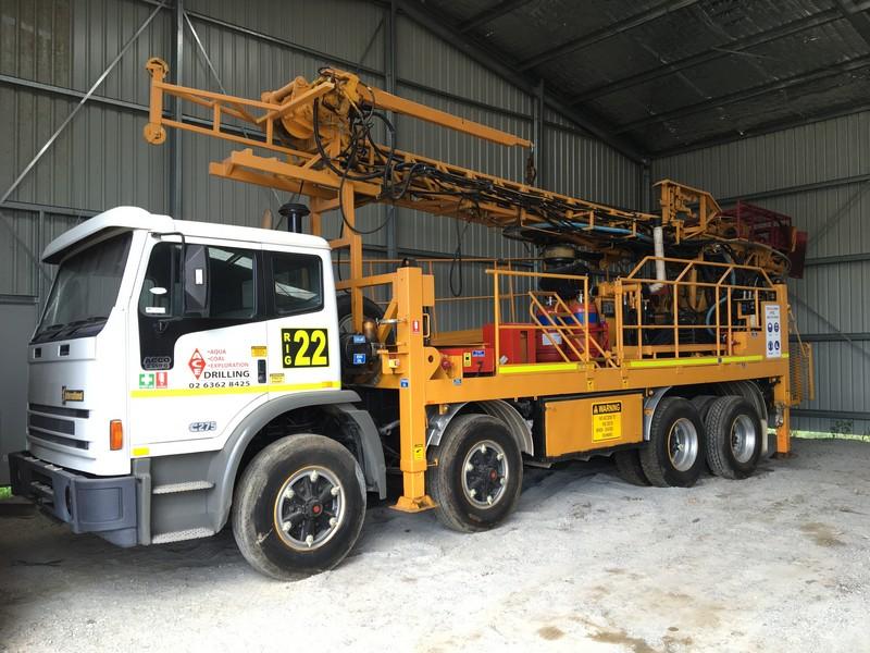 International Acco 2350G Cummins 275 Truck Mounted Drill Rig